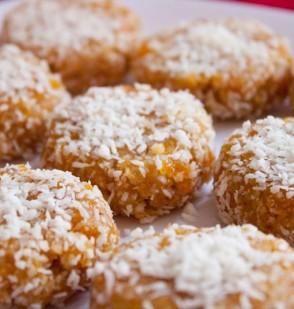 Black Walnut Apricot Cookies (Raw)
