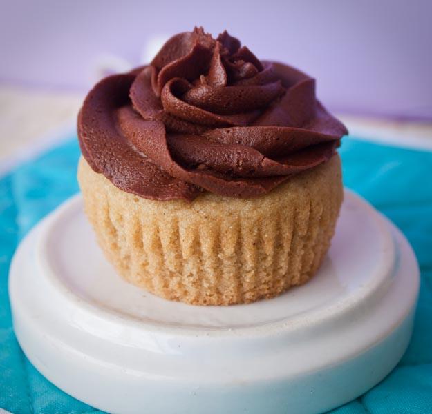 vegan gf cupcake