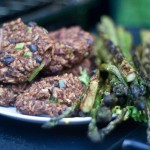 grilled-veggie-burgers-and-asparagus