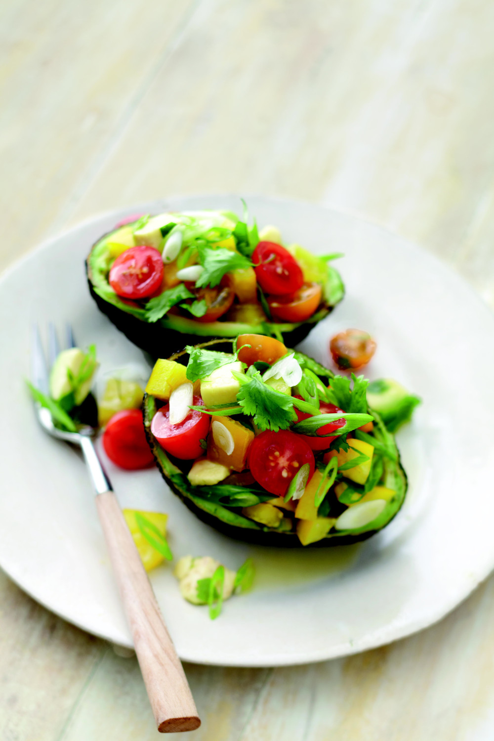 031_Mart_Avocado Salad with Bell Peppers and Tomatoes_art_r1[4]