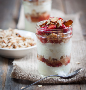 Roasted Strawberry & Vanilla Almond Parfaits
