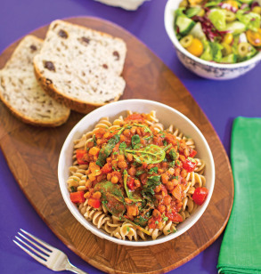 Pasta with Hearty Lentil and Spinach Sauce